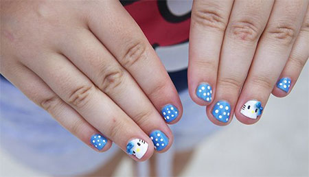 Small & cute dotted Hello kitty nail art