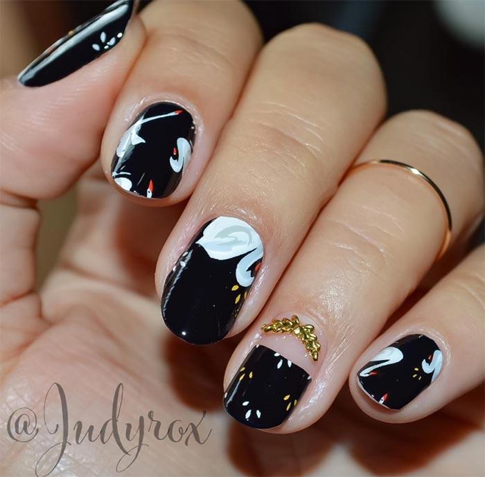 Small & simple design Classy nail art
