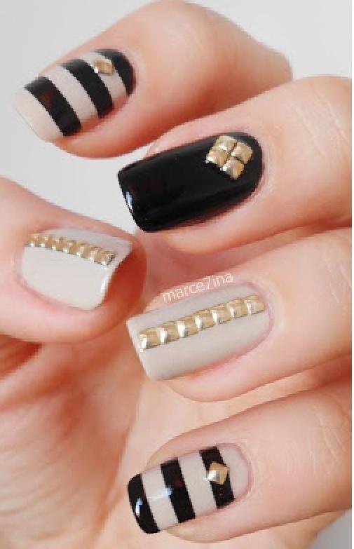 Stunning black and grey Stripe nail art
