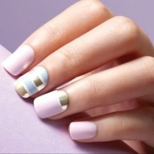 Stylish white marble Color blocking nail art
