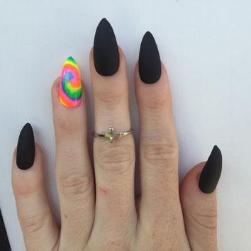 Unique black one nail print Matte nail art