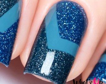 Unique blue glitter Chevron design nail art