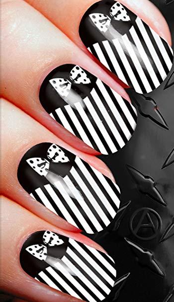 Wonderful black tie design Stripe nail art