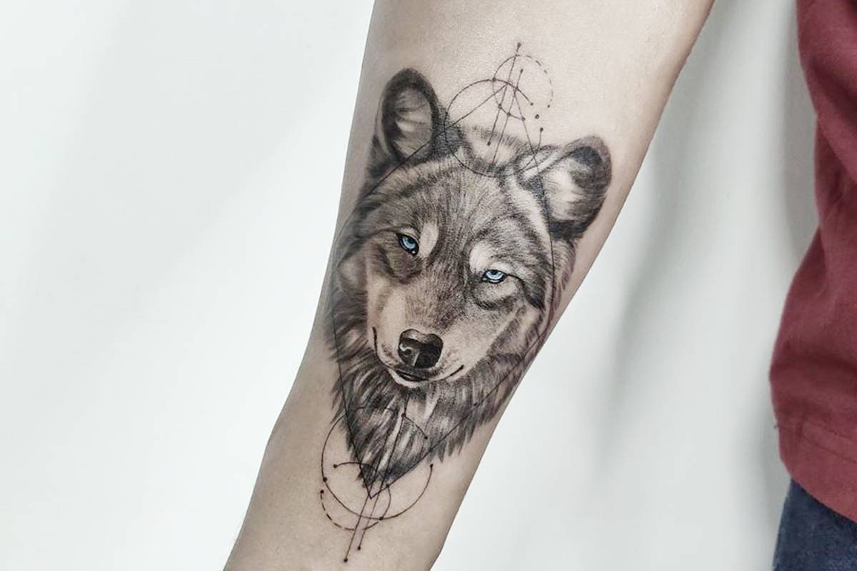Brilliant Wolf Tattoo Idea For Men Arm