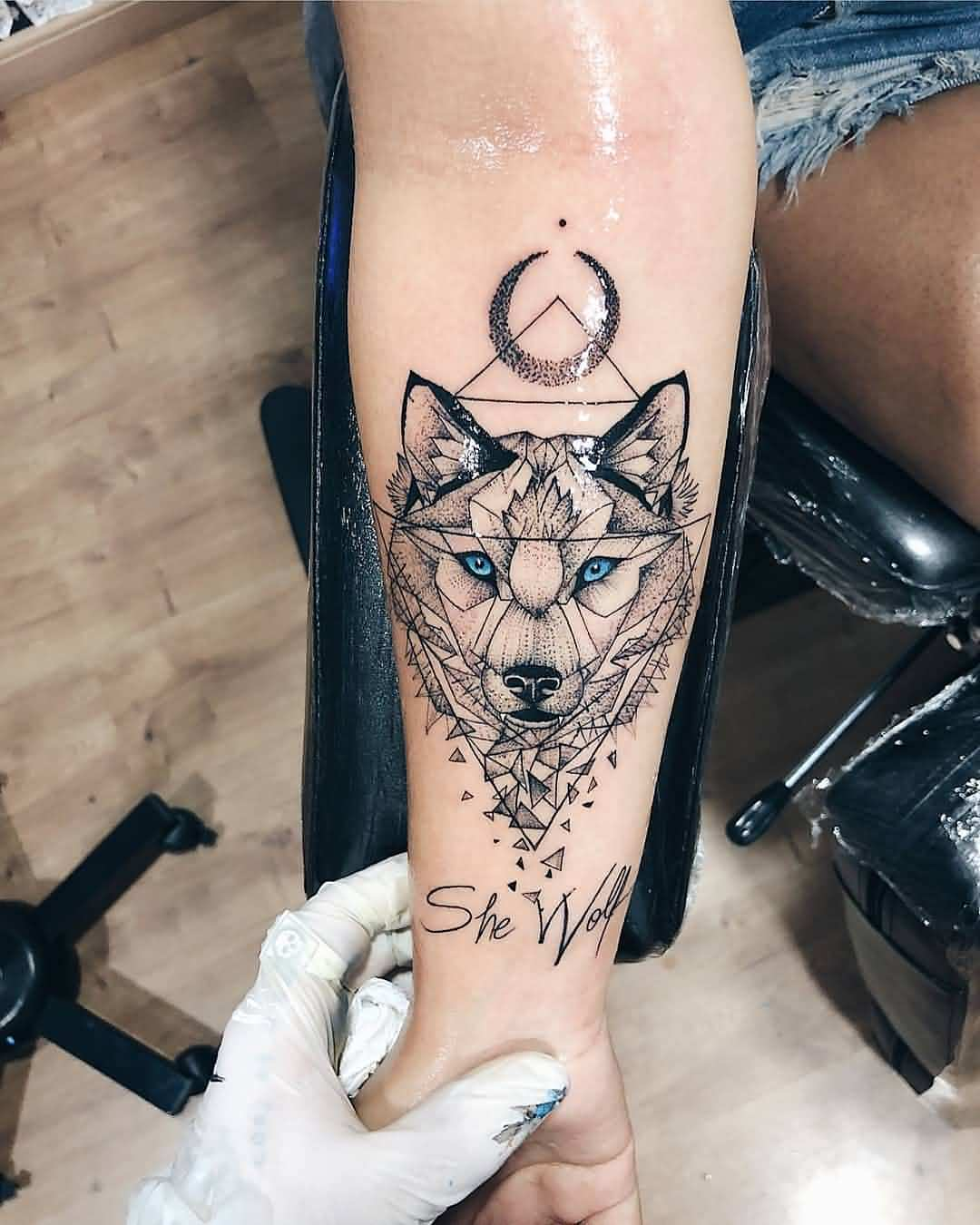 Cute Wolf Tattoo Art For Girl Arm